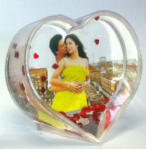 glob foto personalizat in forma de inima
